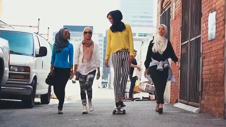 Mipsterky. Muslimské dívky, které se pokouší prolomit stereotypy