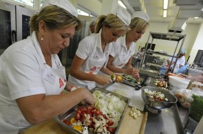 V soutěži o nejlepší školní oběd nesmí cena tříchodového menu přesáhnout 35 korun