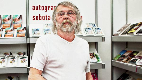 Petr �abach na archivn�m sn�mku z veletrhu Sv�t knihy.