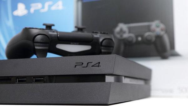Sony pomohl z�jem z�kazn�k� o hern� konzole PlayStation 4 a jej� hry.