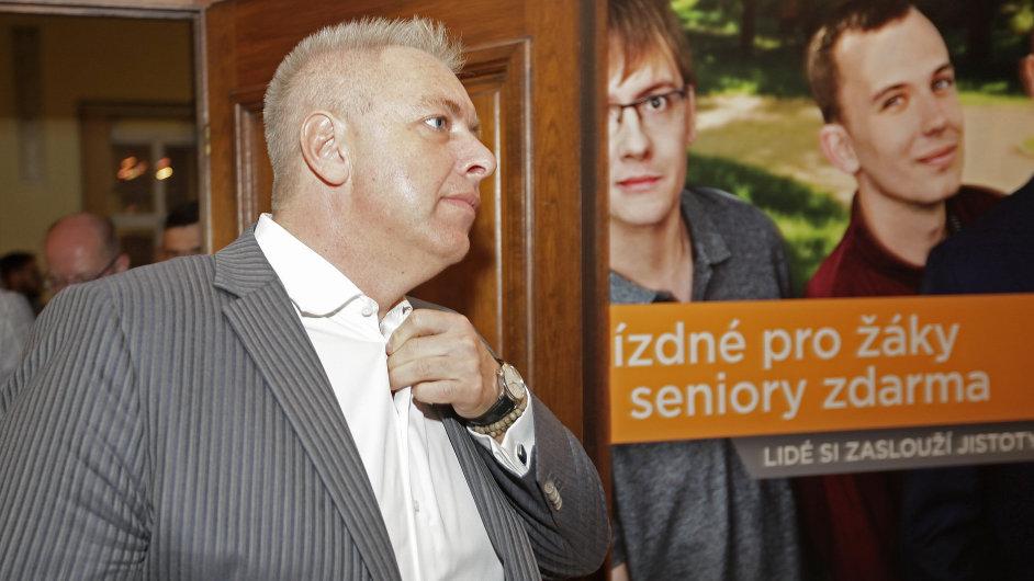 """Milan Chovanec, silná postava ČSSD, která v nejvyšším vedení strany přežila navzdory angažmá v """"Lánském puči""""."""
