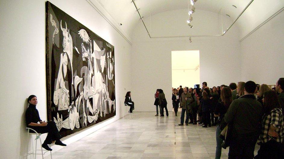 V madridském Muzeu královny Sofie je Picassův obraz Guernica vystaven od roku 1992.