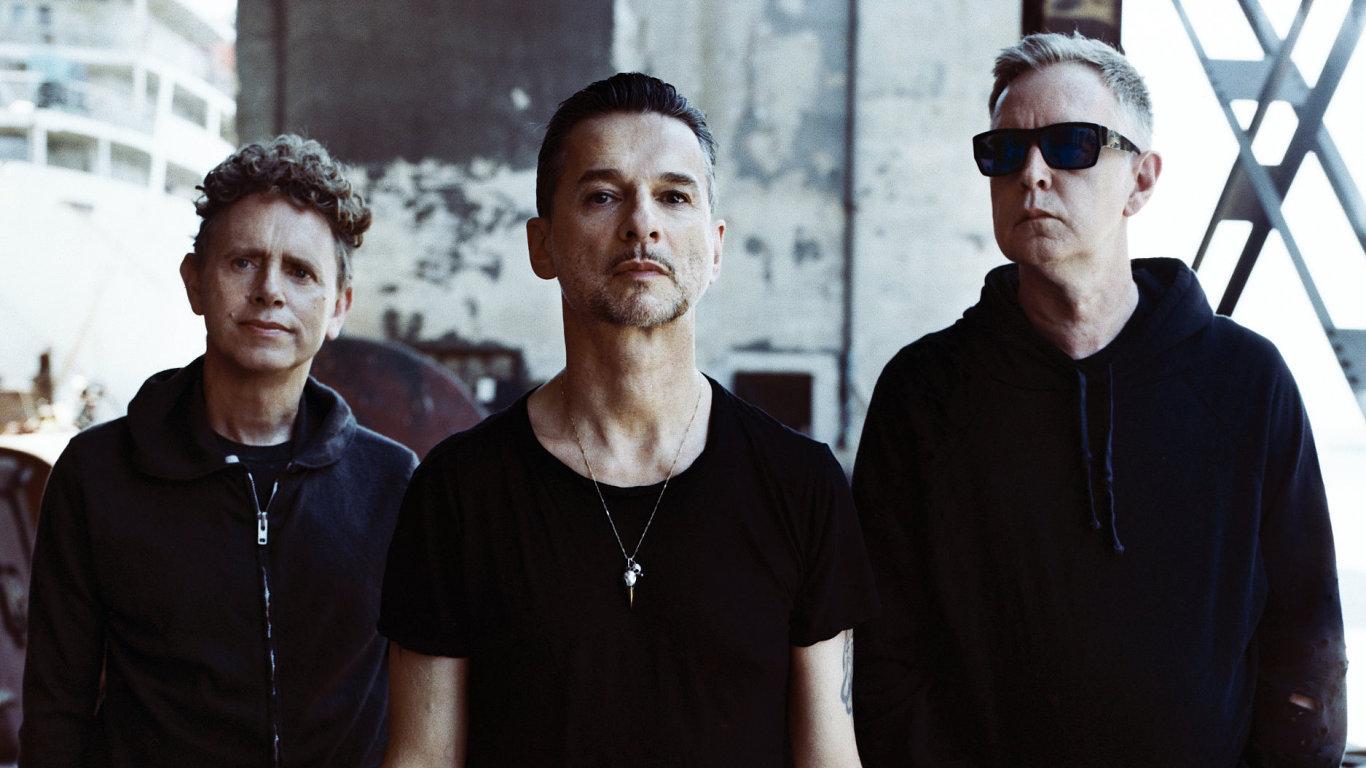 Už před lety si Depeche Mode (na snímku) jako stálého spolupracovníka vybrali nizozemského fotografa Antona Corbijna, dnes jednu z největších osobností světové fotografie.