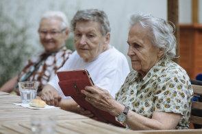 Na konci loňského prosince si v penzijním fondu spořilo necelých 4,5 milionu Čechu.
