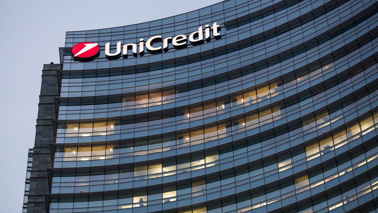 Italská UniCredit se zajímá o spojení se Société Générale