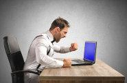 Američané se bouří proti novým pravidlům internetu. Zrušení síťové neutrality může omezit svobodu na síti