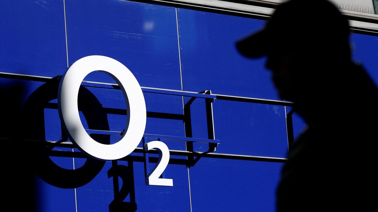 Valná hromada O2 v pondělí schválila výplatu akcionářům 21 korun na akcii.