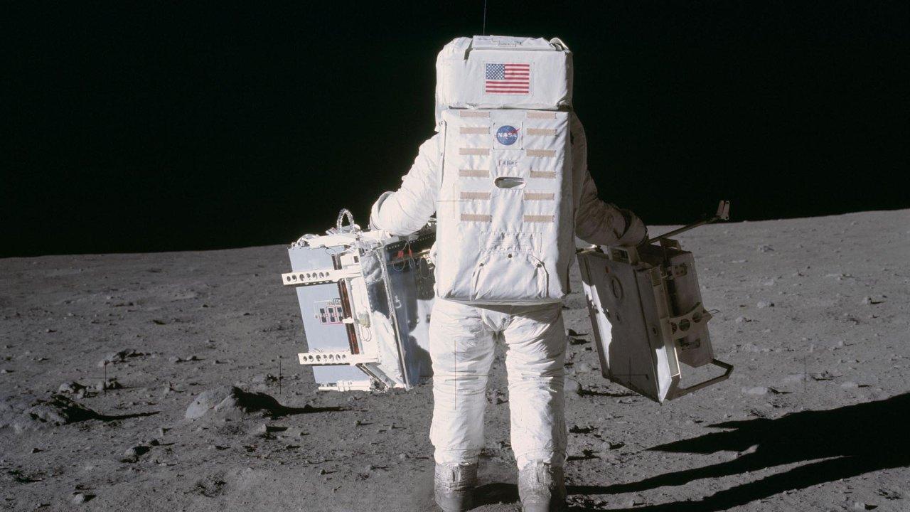 Na Měsíc by se mohlo letět již v roce 2019, tentokrát ale bez lidí - Ilustrační foto.