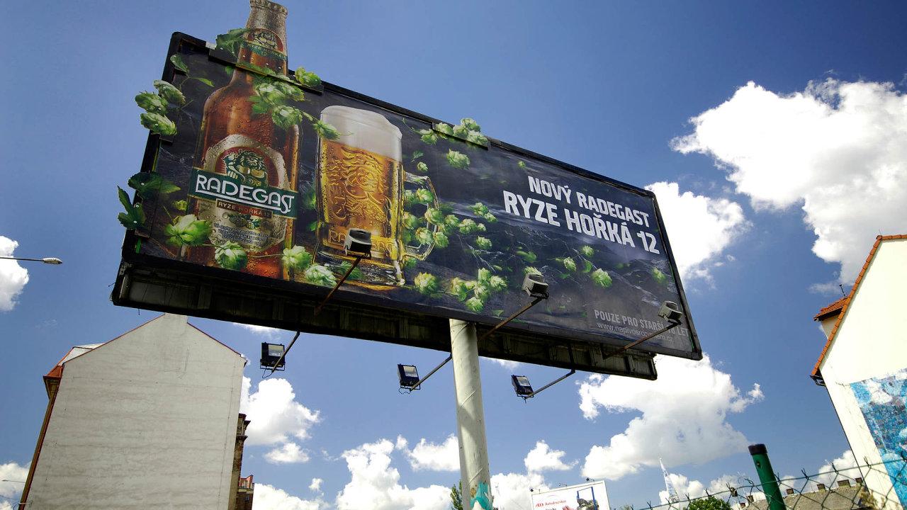 Propagované zboží: Česko patří kzemím snejvětší spotřebou alkoholu. Roční spotřeba čistého alkoholu je téměř 12 litrů nahlavu.