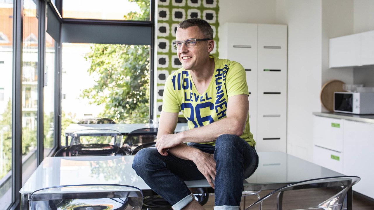 """""""Nejsem dobrý vmarketingu. Říkal jsem si proto, že to, co budu dělat, musí být tak dobré, že se to bude prodávat samo,"""" říká Pavel Řehák, předseda představenstva pojišťovny Direct."""