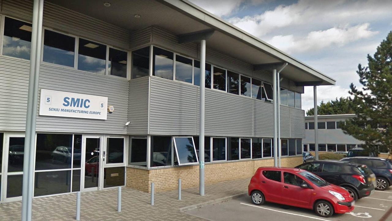 V létě uzavřela Senju Metal Industry svoji továrnu ve Wycombu uLondýna (na snímku) a stěhuje se doPavlova u Prahy, kde má už teď svůj závod.