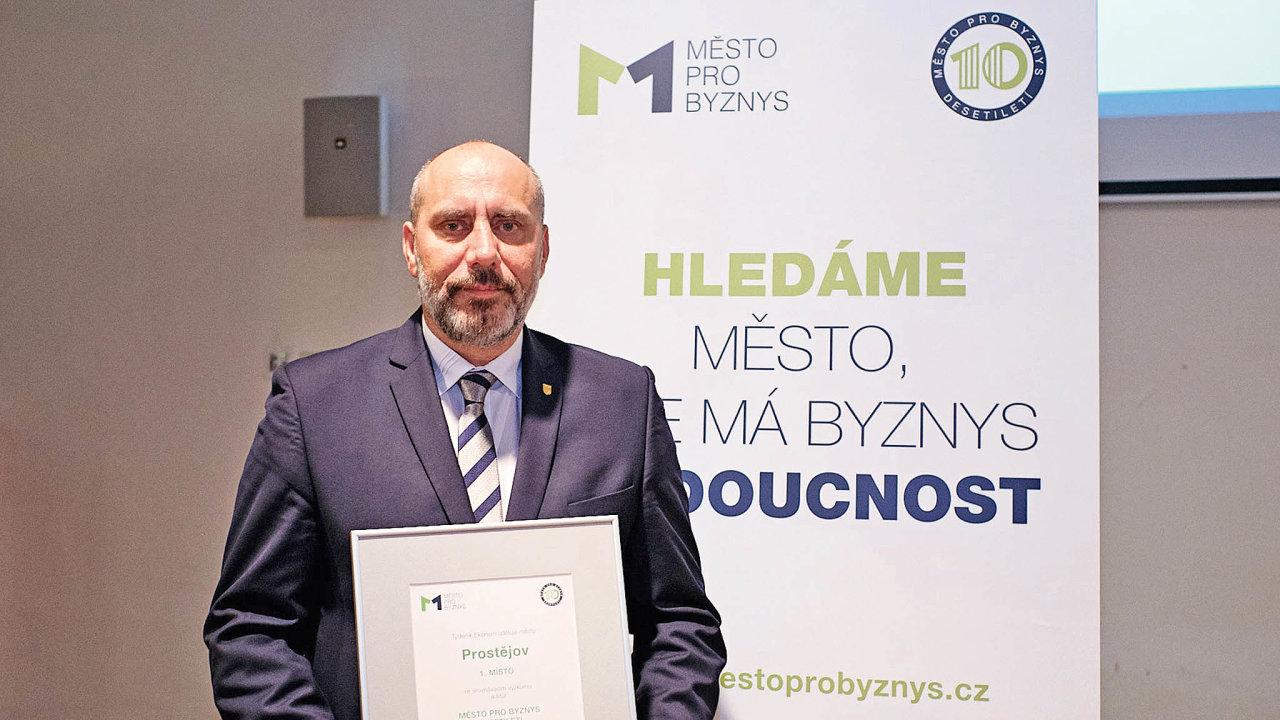 """""""Když se daří podnikatelům, daří se isamotnému městu,"""" říká primátor ProstějovaFrantišek Jura."""