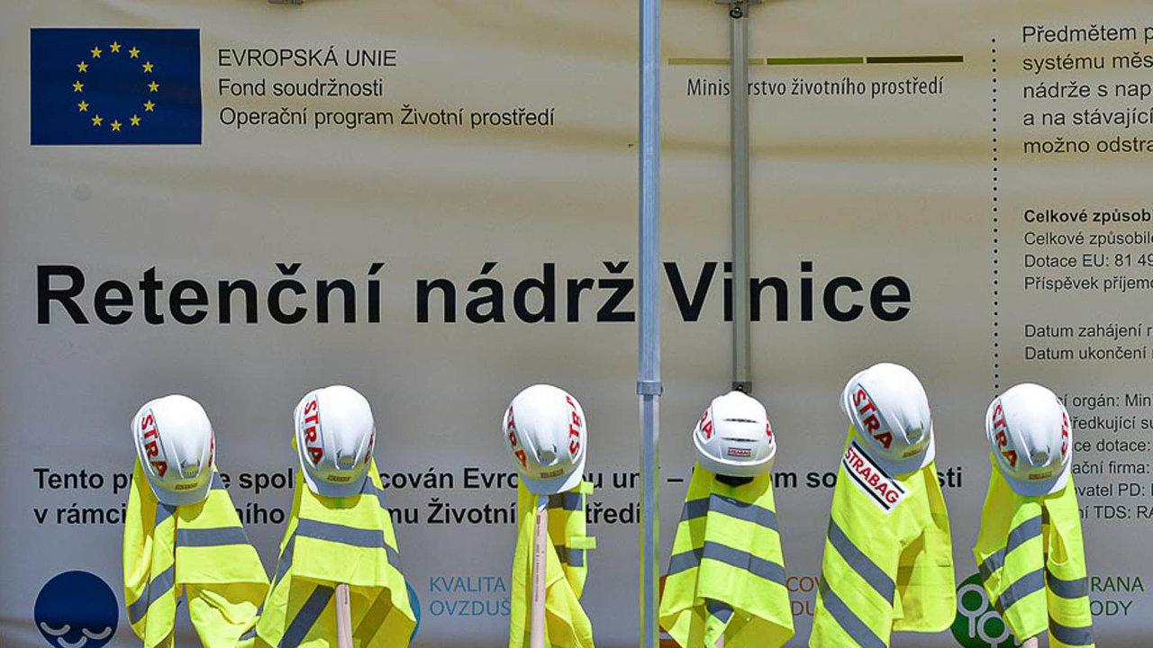 Plzeň minulý týden zahájila stavbu velké podzemní nádrže téměř za130 milionů korun. Zachytit má až šest tisíc kubíků dešťové vody.