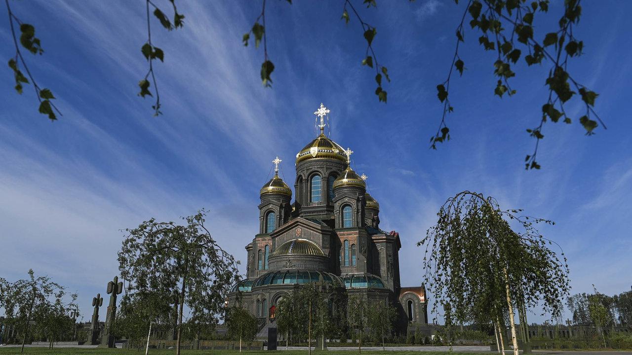 Chrám po vojensku. Pravoslavný svatostánek v komplexu Patriot je vybarven tak, aby to ladilo s armádními účely jeho vzniku.