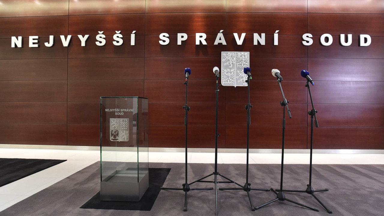 Nejvyšší správní soud se zastal Spolku pro zachování demokracie vČR, který vroce 2017 zadával inzerci kritizující Andreje Babiše (ANO) apodnikání holdingu Agrofert.
