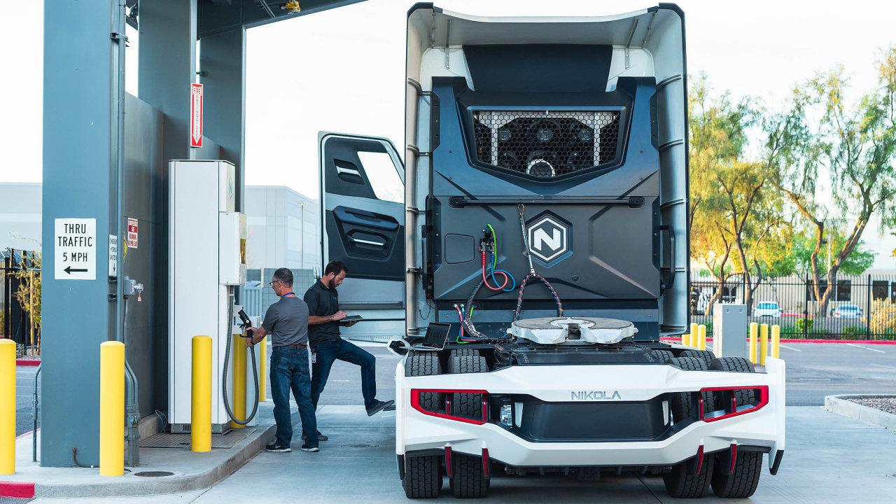 Vodíkový truck. Nový start-up Nikola chystá vodíkem poháněný nákladní automobil.