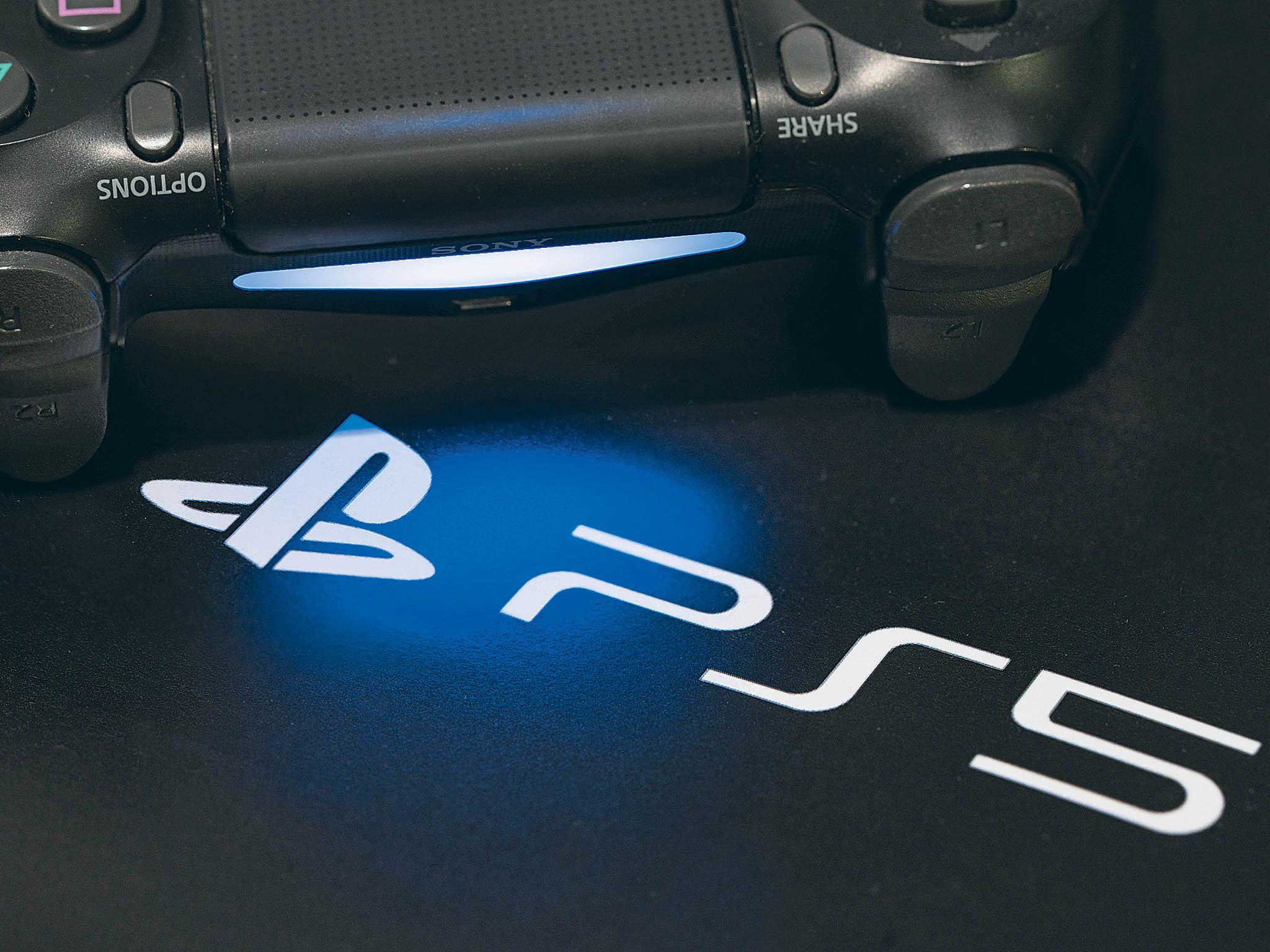 Úplně první herní konzole PlayStation sedostala natrh vprosinci roku 1994. Pošestadvaceti letech, večtvrtek 12. listopadu, uvede japonská firma Sony její novou generaci PlayStation 5.