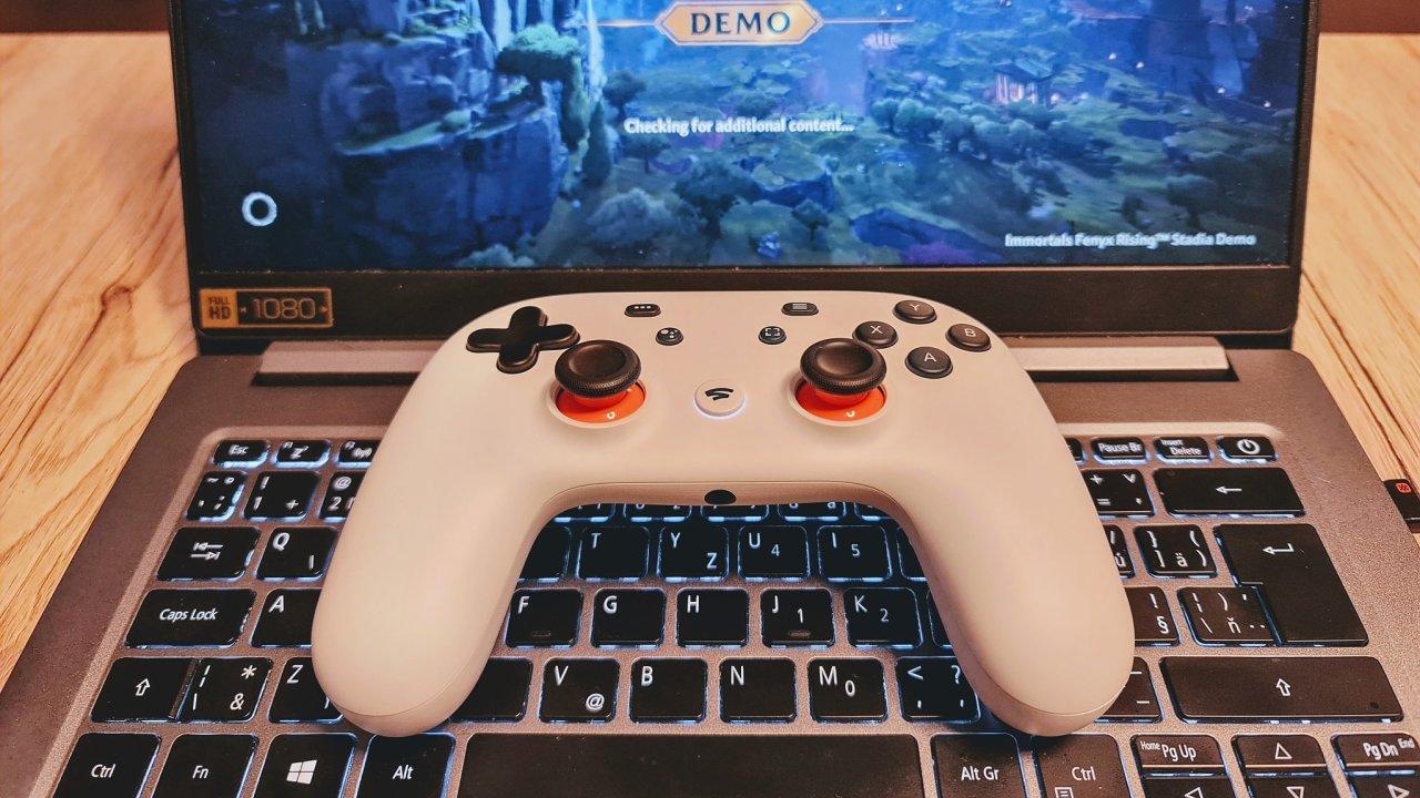 Z pracovního notebooku herní dělo, to slibuje služba Stadia od Googlu