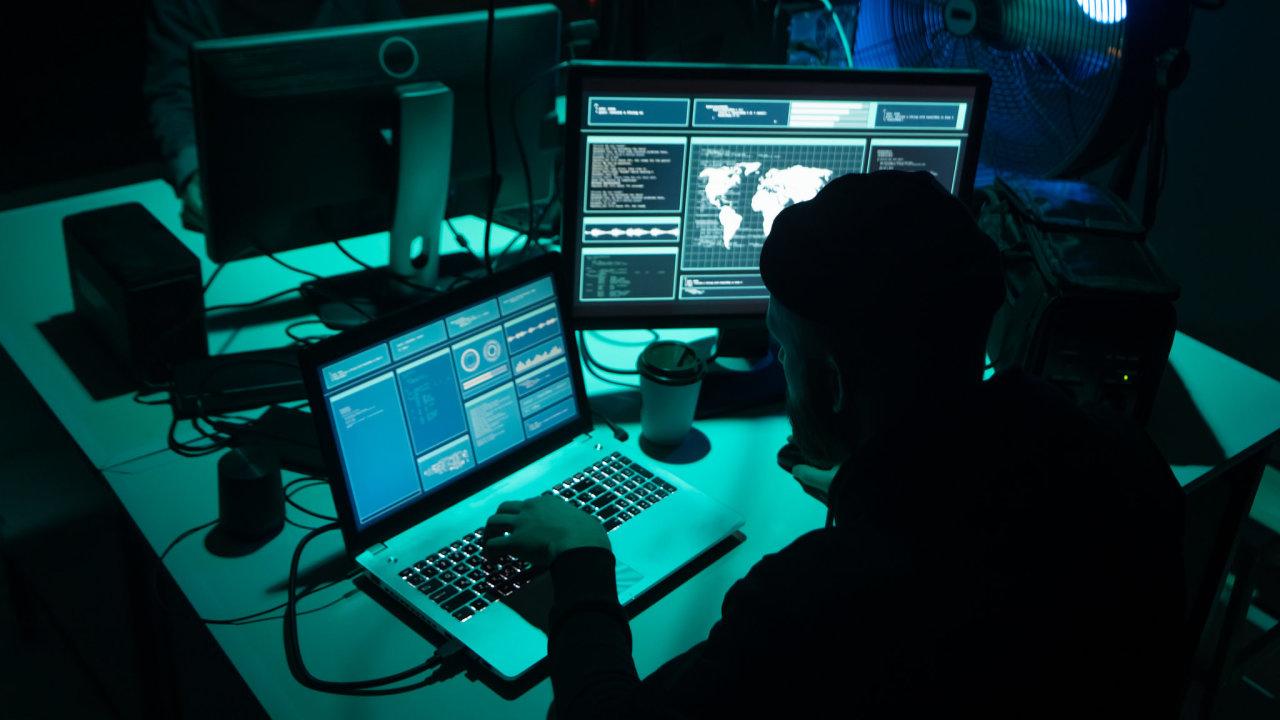 Podle přední bezpečnostní organizace FireEye mezi oběti útoku patří vládní a technologické organizace nejen v USA, ale i v Evropě, Asii a na Blízkém východě.