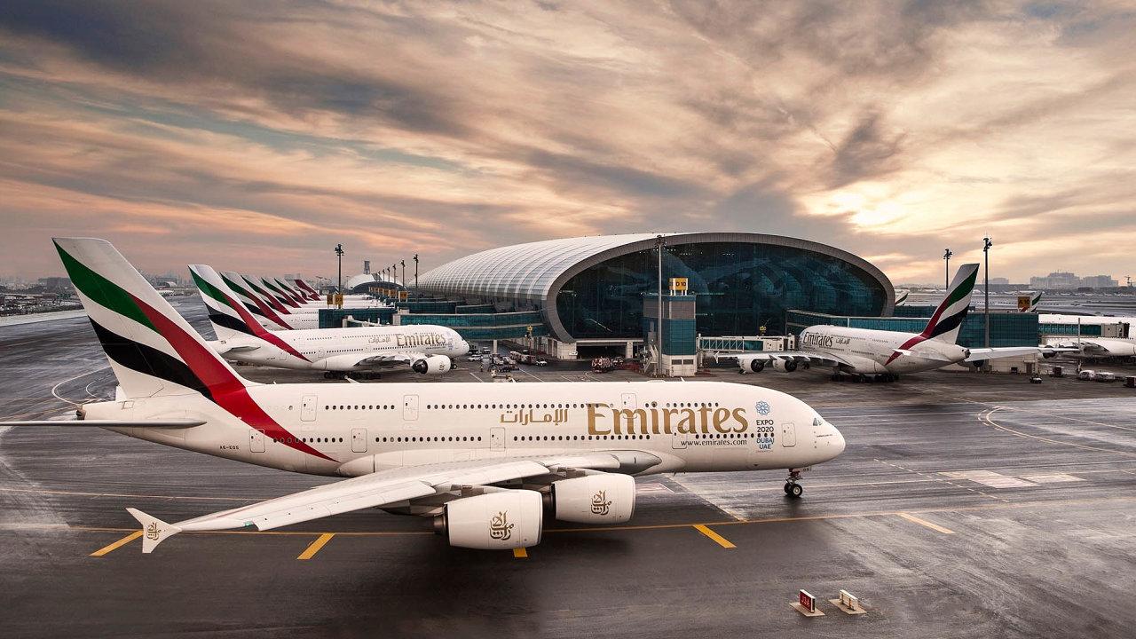 Odstavená letadla: Dubajské aerolinky Emirates se vletošním roce chystají scestujícími zpátky nanebe.