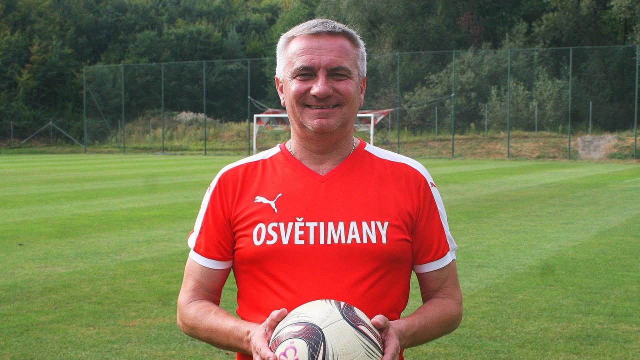 Fotbalista Mynář. Kancléř je vevedení fotbalového klubu Osvětiman, pravidelně se zúčastňuje itréninků.