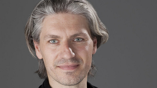 Bart de Backer, hlavní návrhář řady HUGO u Hugo Boss