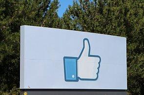 Facebook bojuje proti blokování reklamy, prvotní úspěch se ale rychle rozplynul