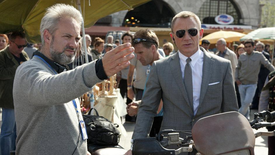 Sam Mendes už nebude Bondovi ukazovat směr