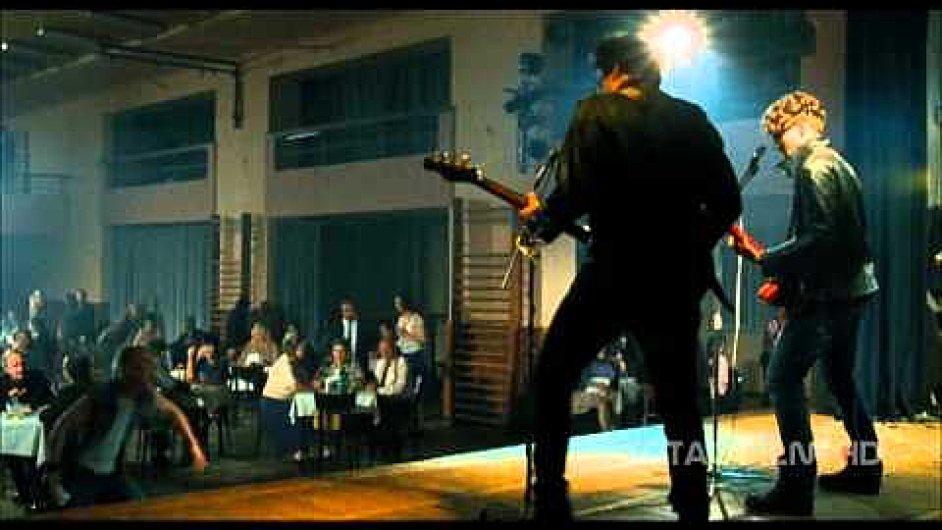 DONT_STOP_-_videoklip_z_filmu_2012_HD