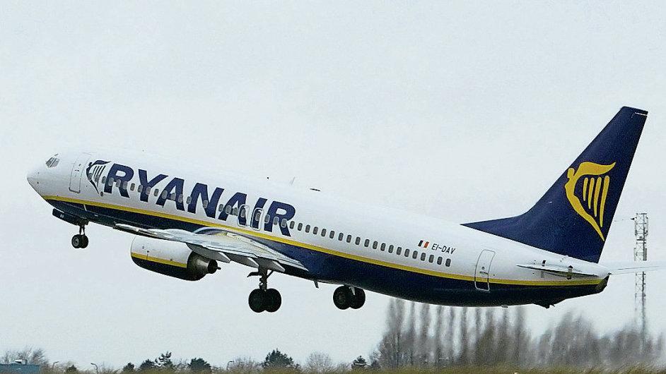 Od dubna létají stroje s logem Ryanair i z ranvejí Letiště Václava Havla v Praze.