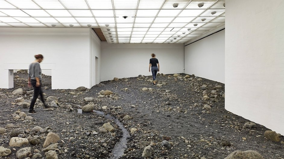 Výstava Olafura Eliassona Riverbed, Muzeum moderního umění Louisiana, Dánsko