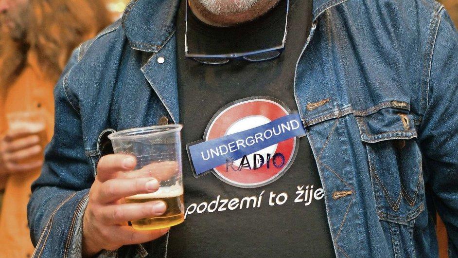 Minulý týden koncert undergroundových skupin v pražské Arše předznamenal uvedení seriálu Fenomén underground.