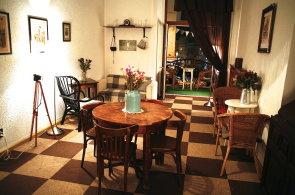 V kavárně Ziferblat je až na čas vše zdarma. Letos chce otevřít i v Praze