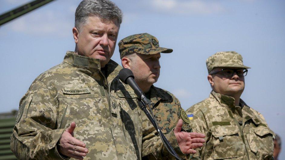 Jsme ve válce s Ruskem, řekl ukrajinský prezident Petro Porošenko.