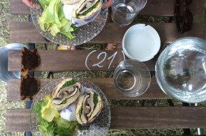 Zápisky protivného hosta: Festivalová Bokovka, báječná káva a nejbizarnější těstoviny