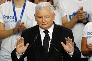 Průmysl 4.0 nám dává stejné šance jako Západu, říká Kaczyński. Na konferenci měl větší publikum než manažer Uberu
