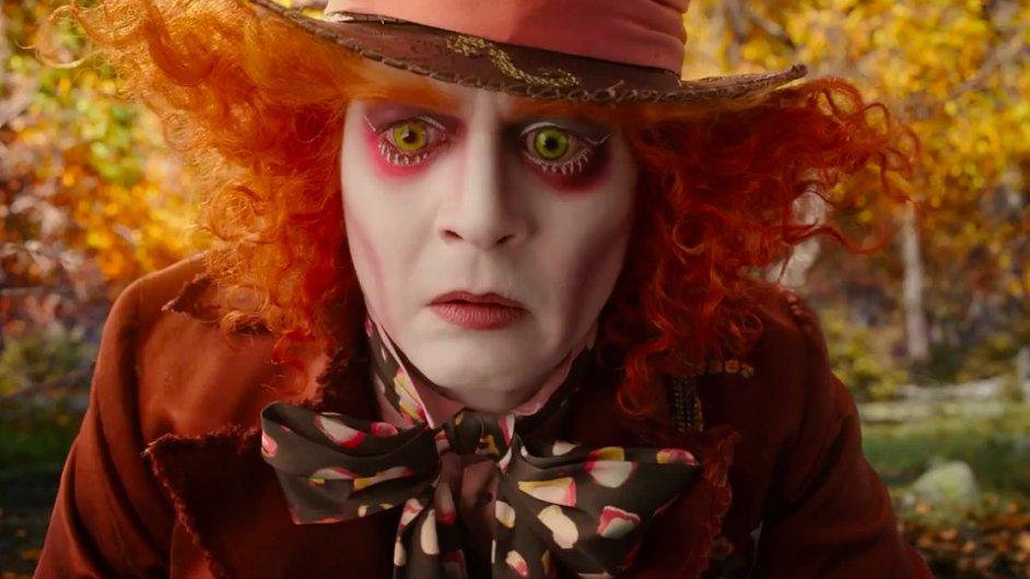 Film Alice Through the Looking Glass vstoupí do českých kin v květnu 2016.