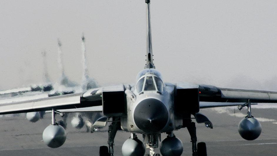 Německá vláda vyšle do boje proti Islámskému státu průzkumné letouny Tornado - Ilustrační foto.