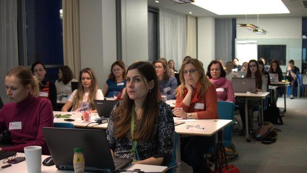 Kurzu ve společnosti Tieto se zúčastnila dvacítka žen, tři z nich měly zkušenost s programováním.