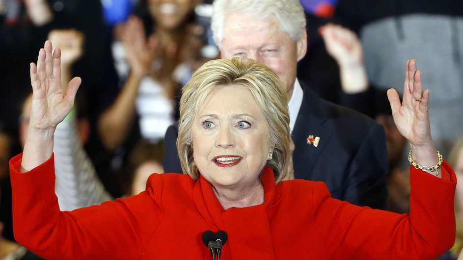 Pouze o dvě desetiny procenta dokázala v Iowě zvítězit demokratka Hillary Clintonová.