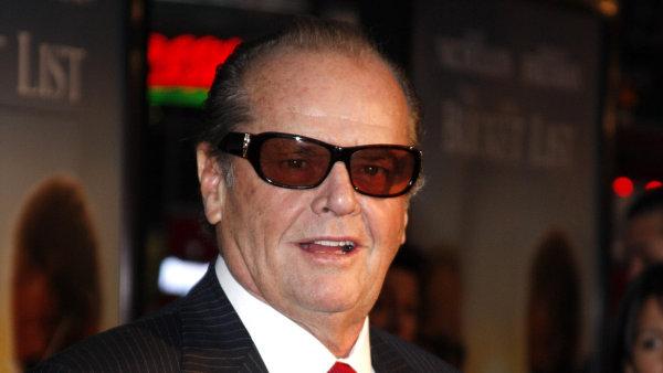 Jack Nicholson je na snímku ze světové premiéry filmu Než si pro nás přijde z prosince 2007.