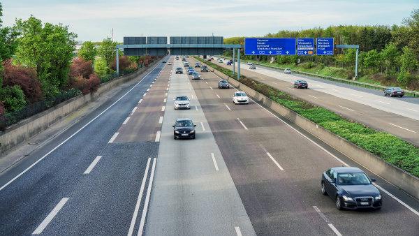 Připravovaný systém mýtného na německých dálnicích je podle odborníků protiprávní - Ilustrační foto.