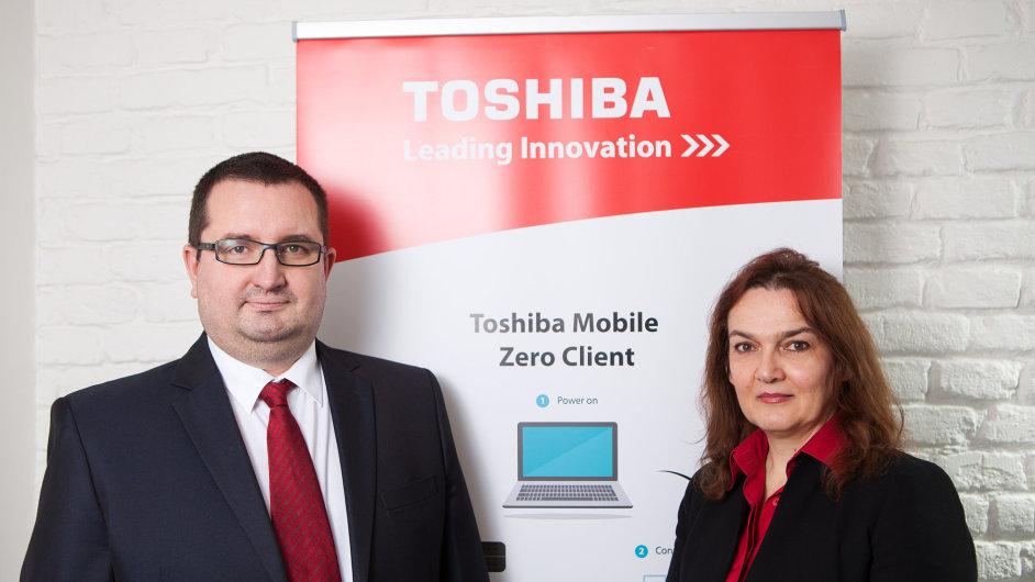 Tomáš Konečný, B2B Sales Manager Toshiba CZ/SK a Sales Coordinator Toshiba pro regiony CEE a SEE, a Stanka Plavšic, B2B Account Manager Toshiba pro regiony CSEE