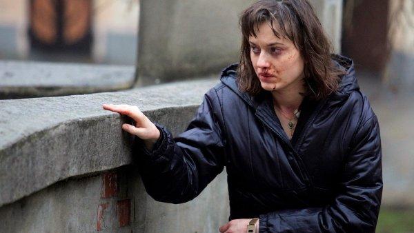 Novinářku Martu ve filmu ztvárnila Rebeka Poláková.