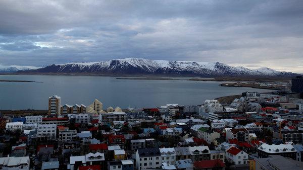 Vyšší daně tak ještě více prodraží už tak dosti drahou islandskou dovolenou.