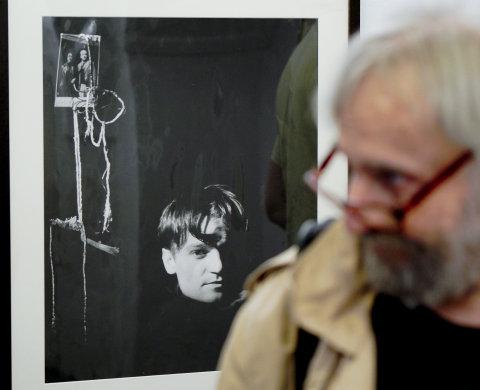 Snímek z výstavy fotografií Miroslava Háka v Galerii Josefa Sudka v Praze.