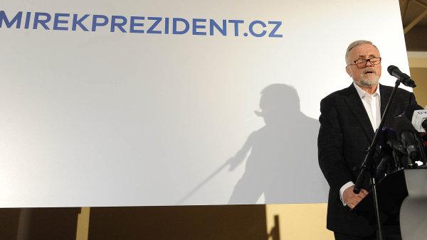 """Bývalý premiér Mirek Topolánek tvrdí, žekprezidentské kandidatuře ho vyburcoval až """"mocenský pakt"""" Miloše Zemana ašéfa hnutí ANO Andreje Babiše."""