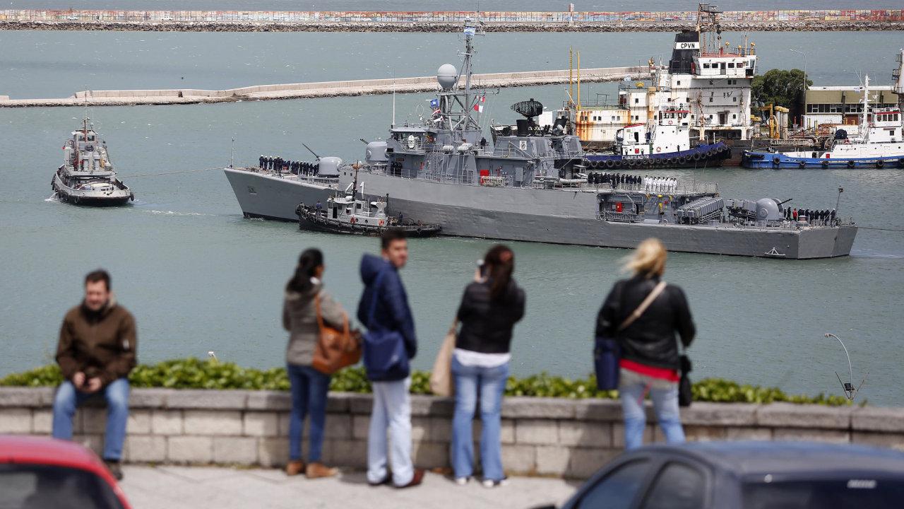 Po ztracené ponorce pátrají lodě i letadla z Argentiny i dalších zemí.