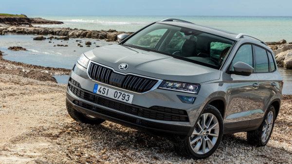 SUV Karoq je jedním ze dvou modelů, jichž se nedotklo plošné zvedání cen produktů Škody Auto.