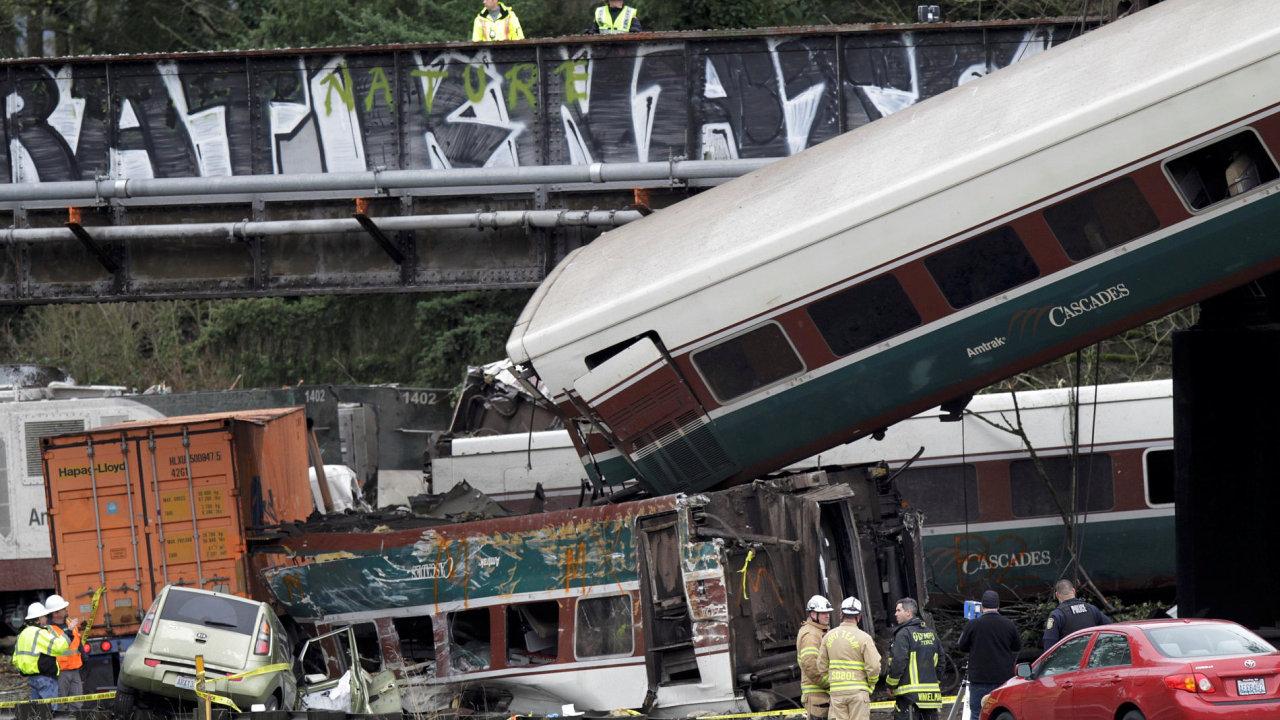 Vlaková nehoda na západě USA má nejméně tři oběti